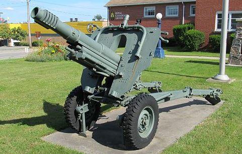 Obus de 105mm M56 de Oto Melara