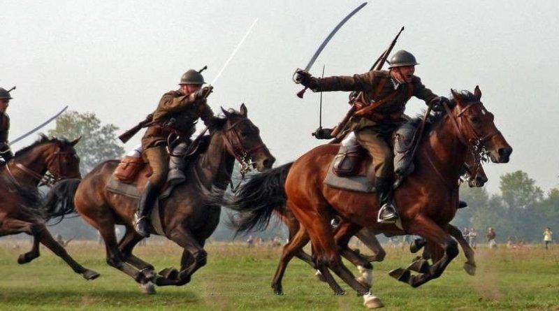 Reconstrucción de un ataque de la caballería polaca