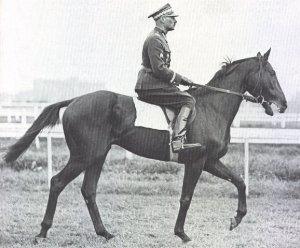 """General Władysław Anders, jefe de la Brigada de Caballería """"Nowogrodzka"""""""