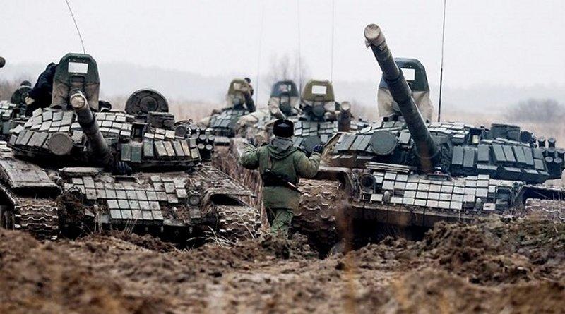 Tanques T-72 del ejercito de Rusia en la frontera con Ucrania