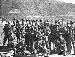 Tropas paracaidistas españolas en Bulalam, durante la Guerra de Infi, 1957.