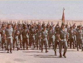 El Ejército español saliendo del Sahara occidental en 1976
